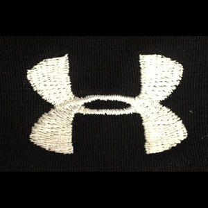 Under Armour Sweaters - Under Armour Black Running Pullover Hoodie Sz Med